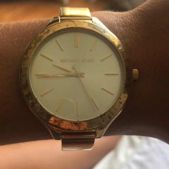 Michael Kors Accessories - Michael Kors women's gold watch